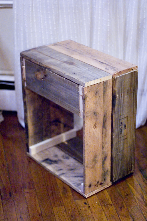 diy reclaimed wood side table | black oak vintage